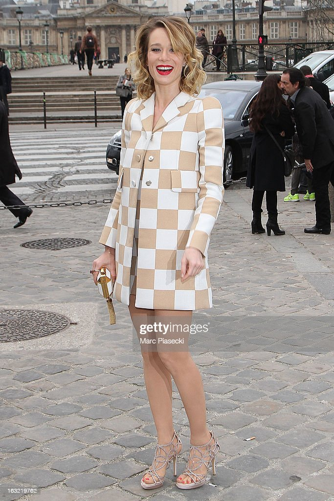 Mariana Ximenes arrives to attend the 'Louis Vuitton' Fall/Winter 2013 Ready-to-Wear show as part of Paris Fashion Week on March 6, 2013 in Paris, France.