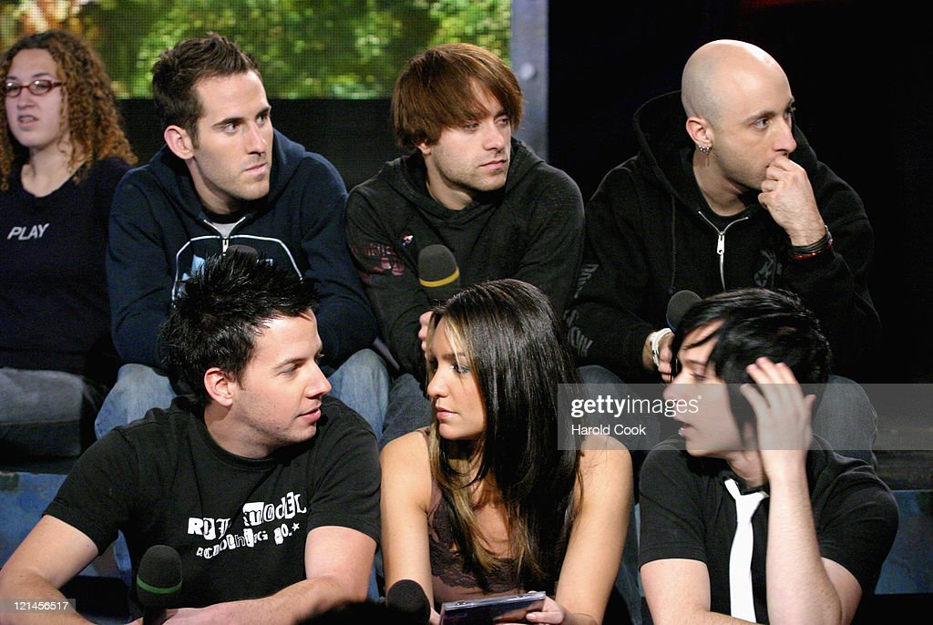 """Simple Plan Visits FUSE's """"Daily Download"""" - October 28, 2004"""