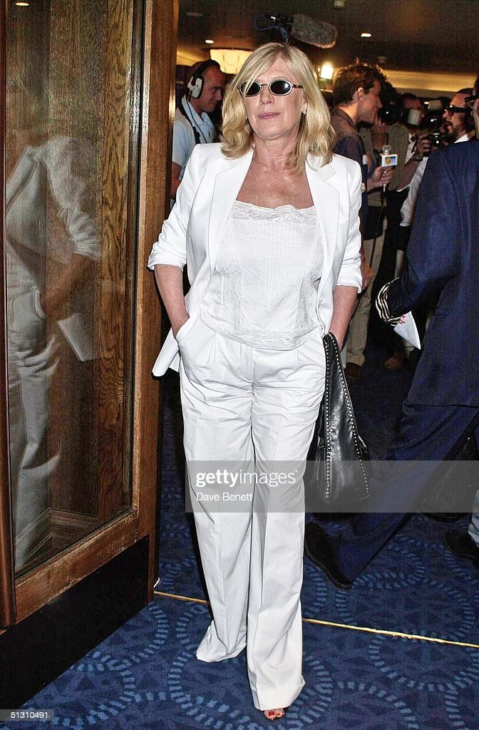 Marianne Faithful attends the 2001 Ivor Novello Awards at The Grosvenor House Hotel on May 24, 2001 in London.