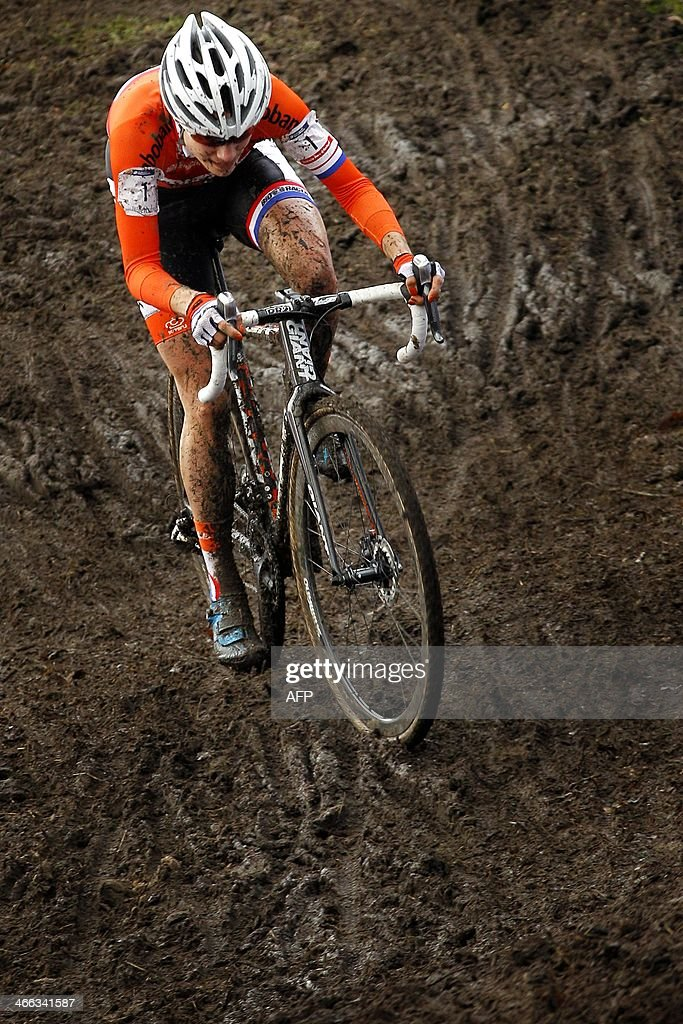 Marianne Vos of the Netherlands competes to win the women UCI Cyclo-Cross World Championships race in Hoogerheide, on February 1, 2014.