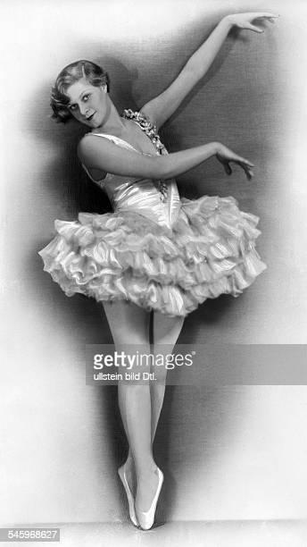 Marianne Winkelstern*Tänzerin Dals Ballerina beim Spitzentanz undatiertveröffentlicht Berliner Morgenpost Foto Freiherr Wolff von Gudenberg