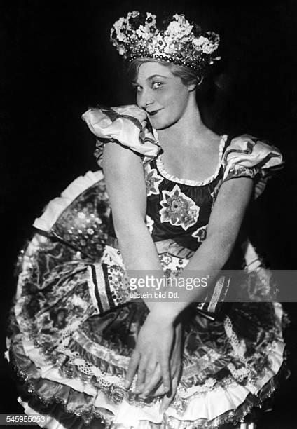 Marianne Winkelstern*Tänzerin Din Pose undatiert vermutlich 1929veröffentlicht Berliner Morgenpost Foto Freiherr Wolff von Gudenberg