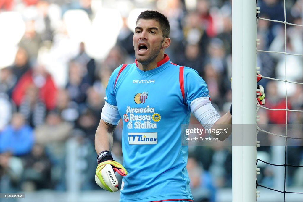 Mariano Gonzalo Andujar of Calcio Catania reacts during the Serie A match between FC Juventus and Calcio Catania at Juventus Arena on March 10, 2013 in Turin, Italy.