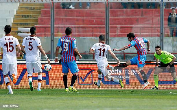 Mariano Izco of Catania scores his team's second goal during the Serie A match between Calcio Catania and AS Roma at Stadio Angelo Massimino on May 4...