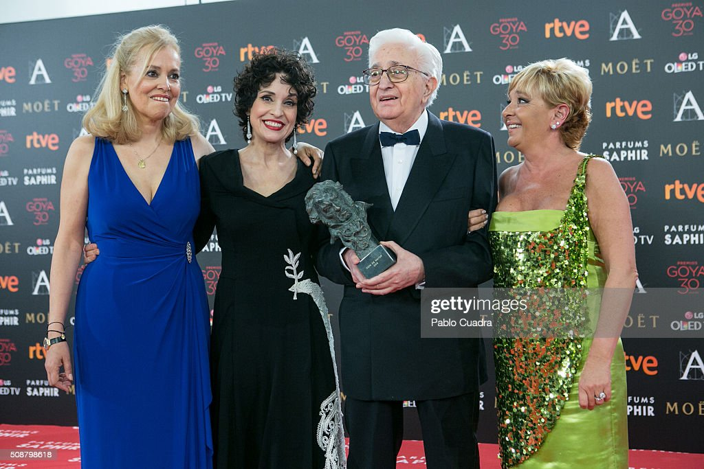 Mariano Ozores holds the Honorary award during the 30th edition of the Goya Cinema Awards at Madrid Marriott Auditorium on February 6, 2016 in Madrid, Spain.