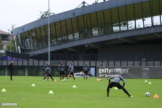 NK Maribor's players takepart in the morning practice session prior to the UEFA Champions League Group E football match between NK Maribor and FC...