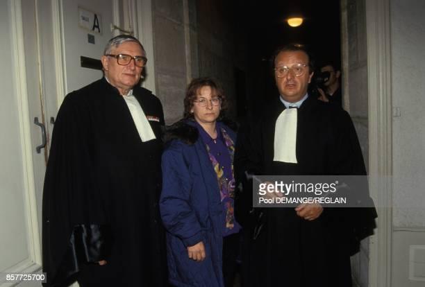 MarieAnge Laroche et ses avocats Mes Paul Prompt et Gerard Welzer apres une audience du proces de JeanMarie Villemin en decembre 1993 a Dijon France