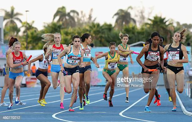 Mariel Espinosa third from left of Mexico and Ajee Wilson compete in the Women's 4x800 metres relay final during day two of the IAAF World Relays at...