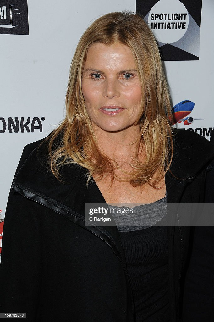 <a gi-track='captionPersonalityLinkClicked' href=/galleries/search?phrase=Mariel+Hemingway&family=editorial&specificpeople=212955 ng-click='$event.stopPropagation()'>Mariel Hemingway</a> arrives at The Creative Coalition Spotlight Initiavtive Awards Gala during the 2013 Sundance Film Festival at The Sky Lodge on January 19, 2013 in Park City, Utah.