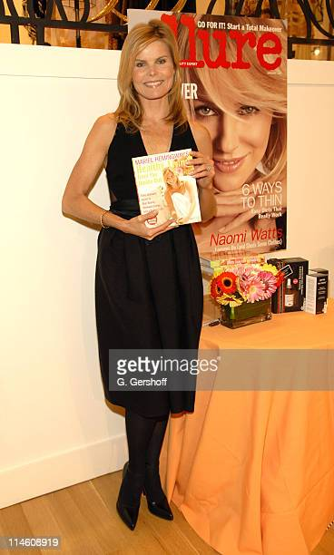 Mariel Hemingway during Mariel Hemingway and Dr Frederic Brandt Sign Copies of Her New Book 'Healthy Living From the Inside Out' January 10 2007 at...
