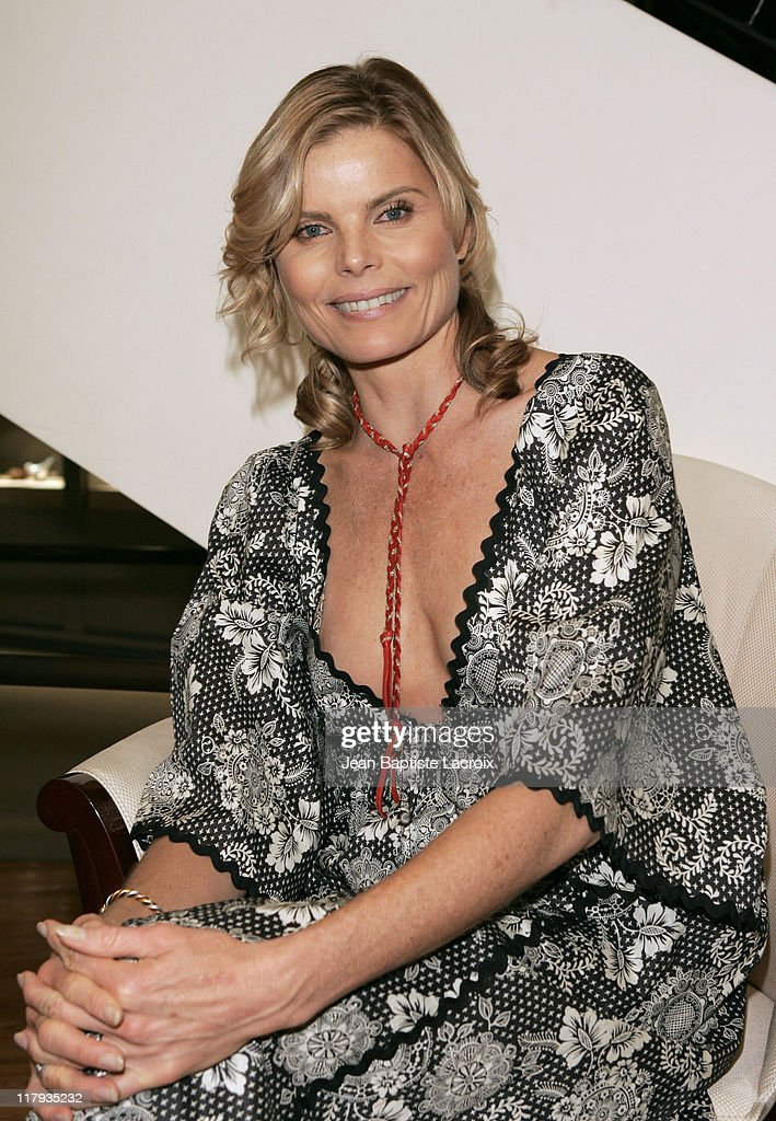 """Mariel Hemingway Signs Copies of Her Book """"Healthy Living From The Inside Out"""""""