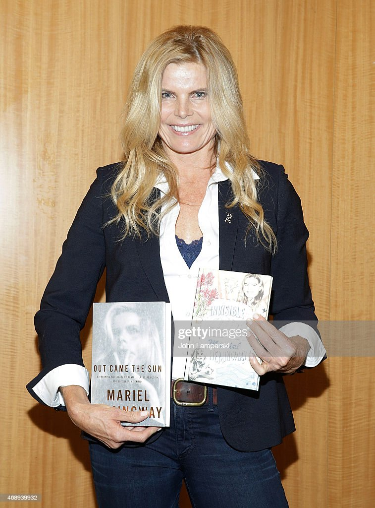 Mariel Hemingway promotes her new book 'Out Came The Sun' with Judith Regan at Barnes & Noble, 86th & Lexington on April 8, 2015 in New York City.