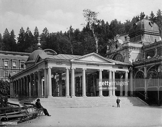 Marienbad Kreuzbrunnen an der Kolonnade 1898Foto Stengel Co