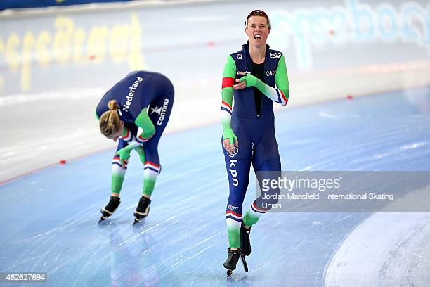 Marije Joling of the Netherlands reacts after beating Jorien Voorhuis of the Netherlands during their 3000m Ladies Division A race on day 2 of the...