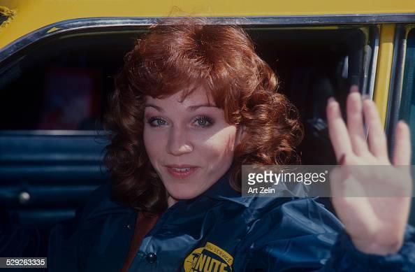 Marilu Henner closeup waving for the show Taxi circa 1970 New York
