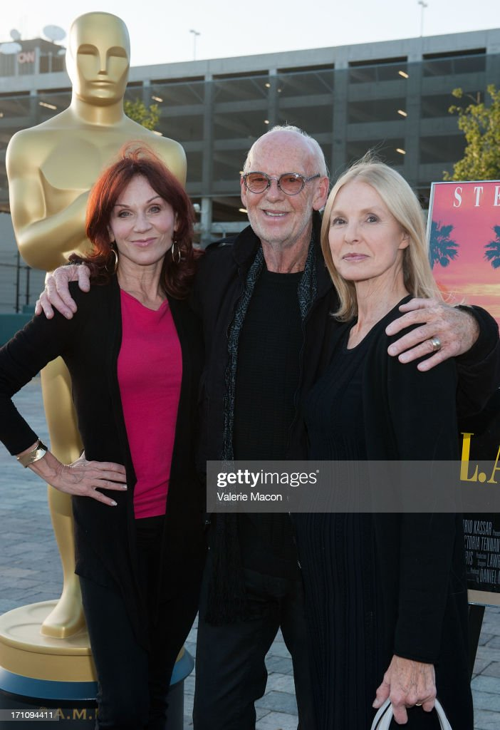 Marilu Henner Victoria Tennant and Mick Jackson attend The Academy Of Motion Picture Arts And Sciences' Oscars Outdoors Screening Of 'LA Story' on...