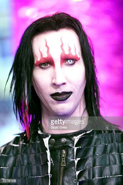 Marilyn Manson at the MTV studios in New York during an episode of TRL during 'Spankin New Music Week' 11/15/00 Photo Scott Gries/ImageDirect