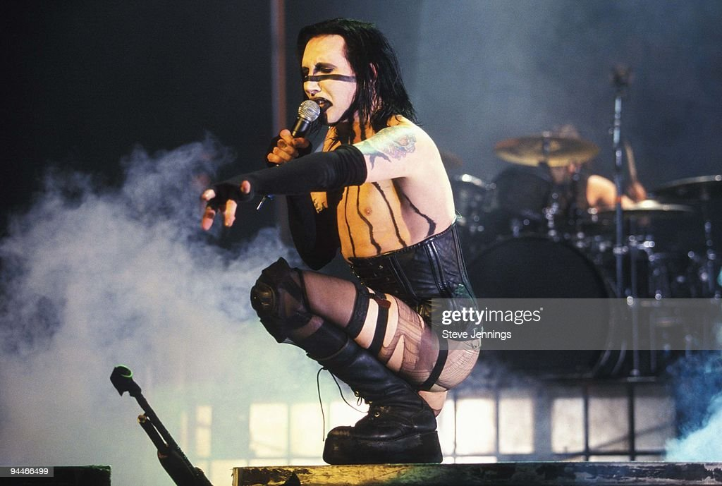 marilyn manson guns god and government world tour dvdrip