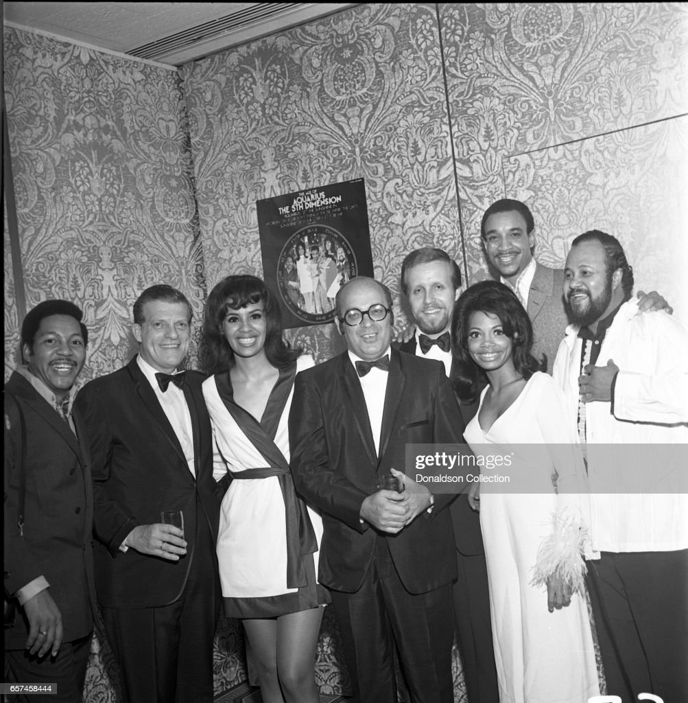 Marilyn McCoo, Florence LaRue, Billy Davis, Jr., LaMonte McLemore, and Ron Townson of the vocal group '5th Dimension' visit Bell Records and WNEW on October 22, 1970 in New York, New York.