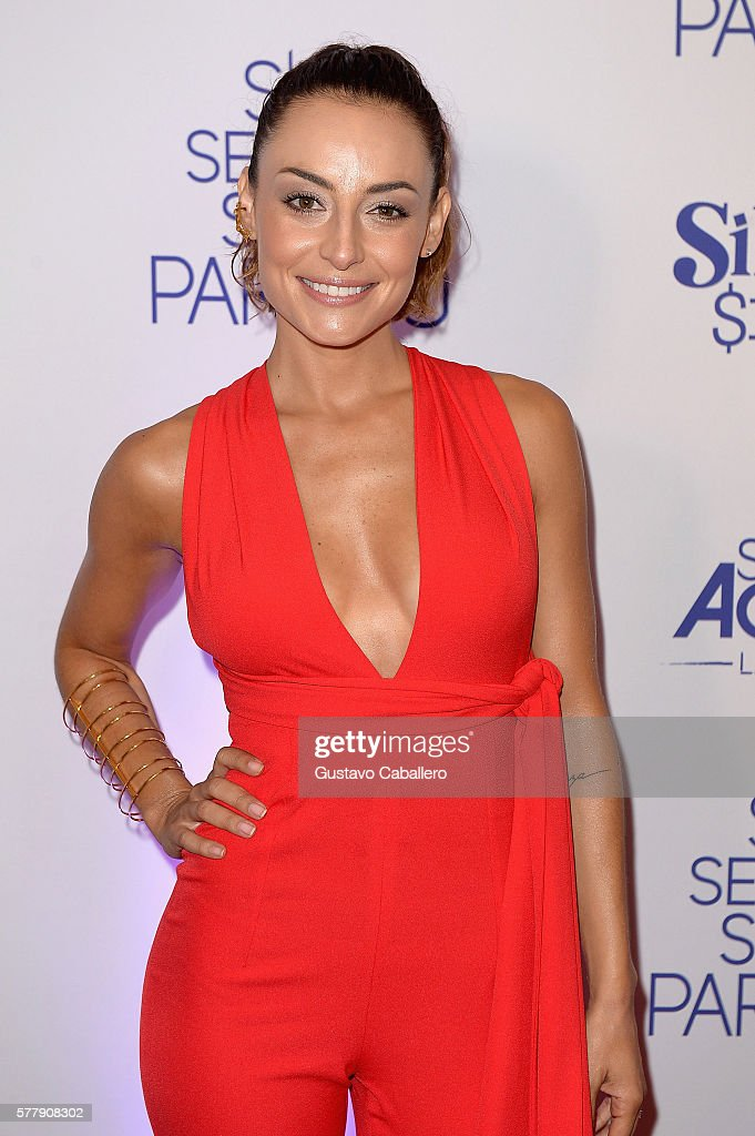 http://media.gettyimages.com/photos/marimar-vega-attends-premiere-of-new-telemundo-productions-silvana-picture-id577908302