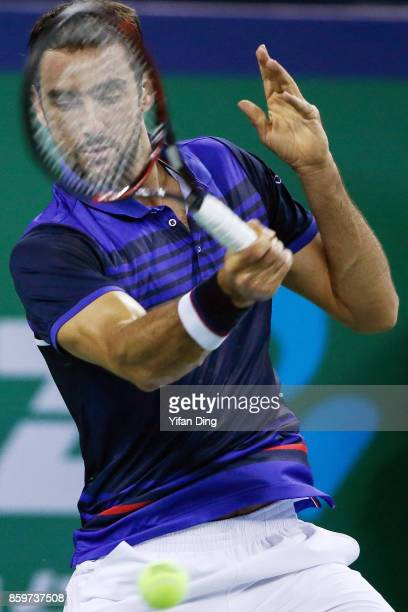 Marin Cilic of Croatia plays a forehand during the Men's singles match against Kyle Edmund of Great Britain on day three of the Shanghai Rolex...