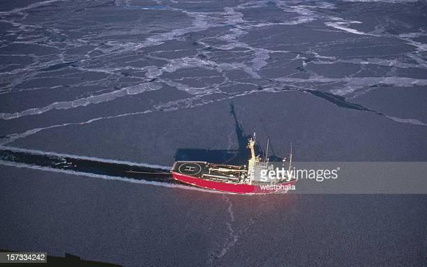 Marine Seismic in Canada's Arctic