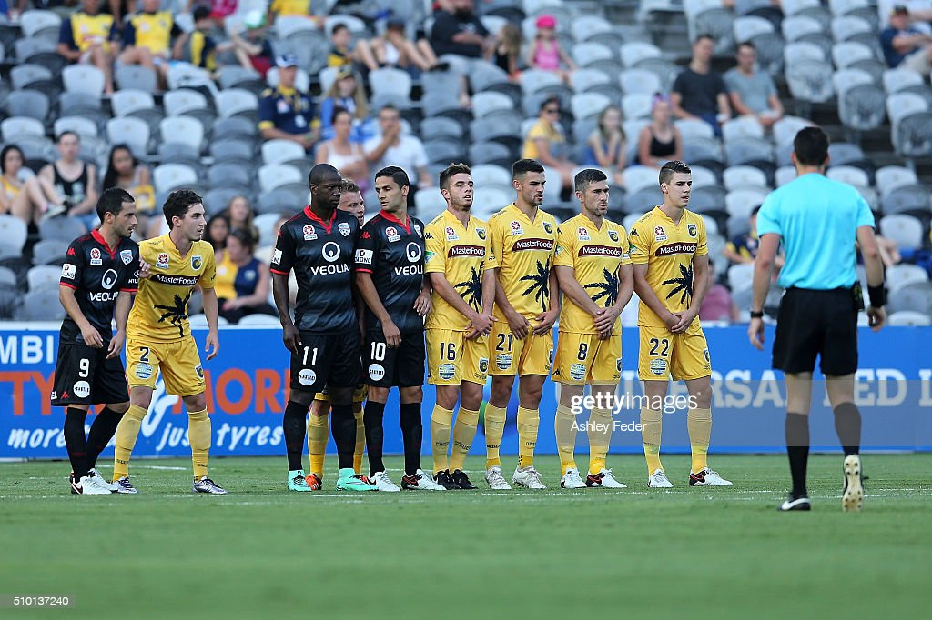 Mariners players line up for a free kick to Adelaide during the round 19 A-League match between the Central Coast Mariners and Adelaide United at Central Coast Stadium on February 14, 2016 in Gosford, Australia.