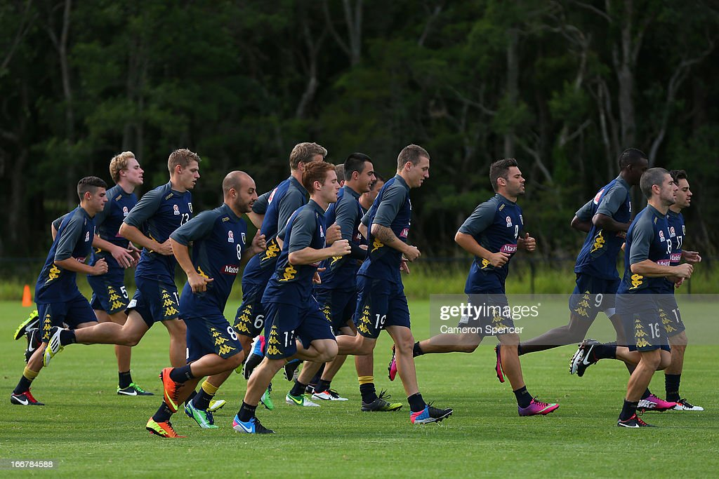 Mariners players run during a Central Coast Mariners A-League training session at Central Coast Mariners Centre of Excellence on April 17, 2013 in Tuggerah, Australia.