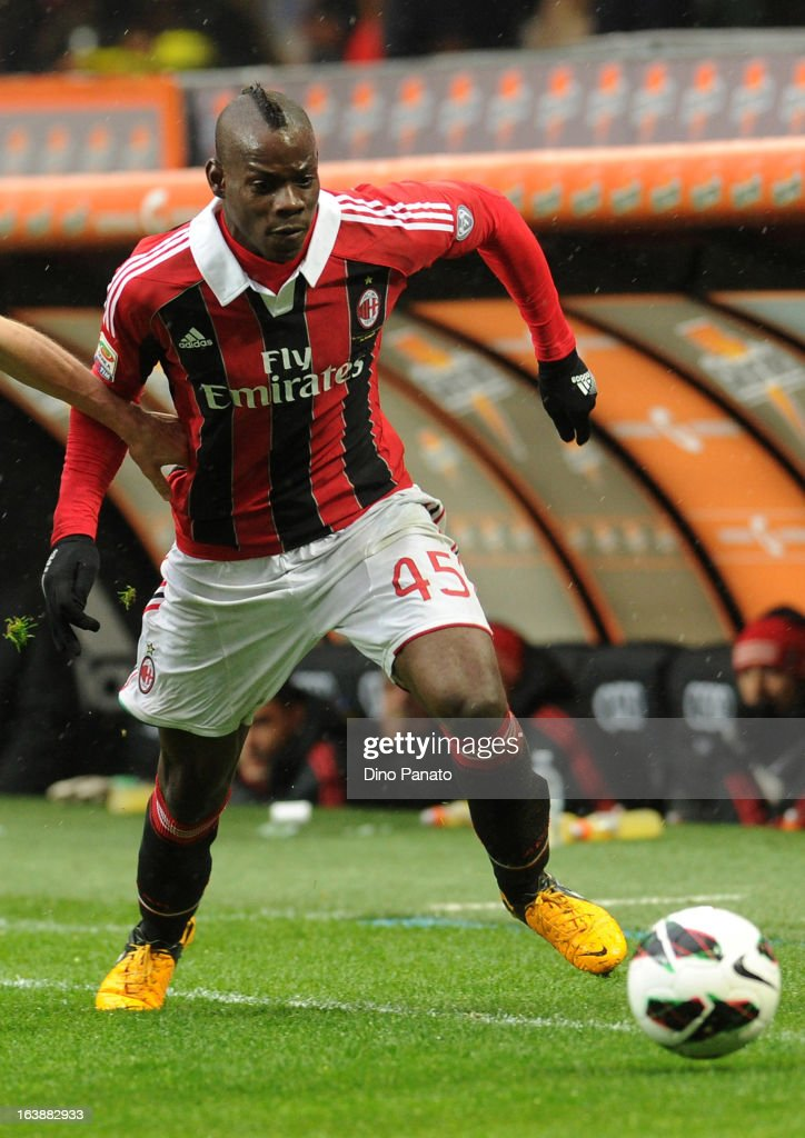 Mario Balotelli (R) of AC Milan during the Serie A match between AC Milan and US Citta di Palermo at San Siro Stadium on March 17, 2013 in Milan, Italy.