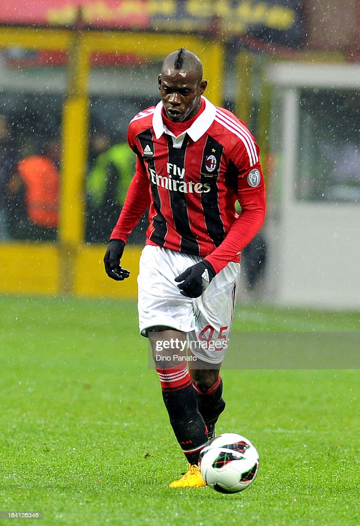 Mario Balotelli of AC Milan in action during the Serie A match between AC Milan and US Citta di Palermo at San Siro Stadium on March 17, 2013 in Milan, Italy.