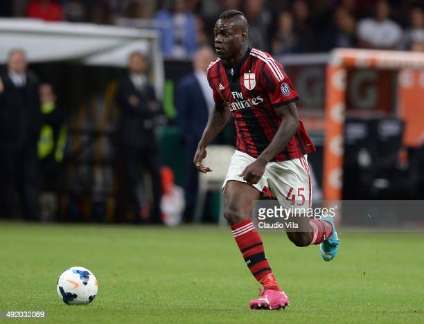 Mario Balotelli of AC Milan in action during the Serie A match between AC Milan and US Sassuolo Calcio at San Siro Stadium on May 18 2014 in Milan...