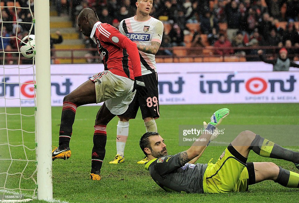 Mario Balotelli of AC Milan scores his team's second goal during the Serie A match between AC Milan and US Citta di Palermo at San Siro Stadium on March 17, 2013 in Milan, Italy.