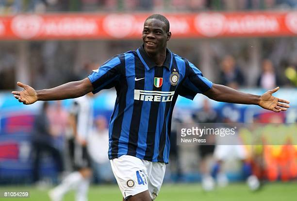 Mario Balotelli of Inter gestures during the Serie A match between Inter and Siena at the Stadio San Siro on May 11 2008 in Milan Italy