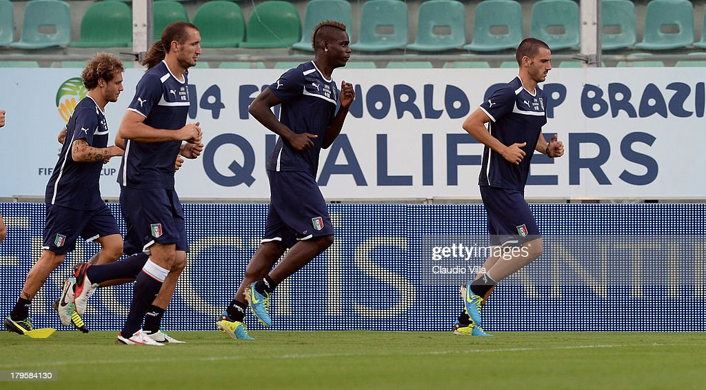 Mario Balotelli of Italy (C) during a training session at Stadio Renzo Barbera on September 5, 2013 in Palermo, Italy.