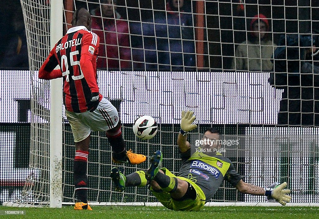 Mario Balotelli of Milan scores his second goal during the Serie A match between AC Milan and US Citta di Palermo at San Siro Stadium on March 17, 2013 in Milan, Italy.