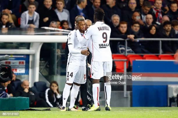 Mario Balotelli of OGC Nice and Alassane Plea of OGC Nice during the Ligue 1 match between Paris Saint Germain and OGC Nice at Parc des Princes on...