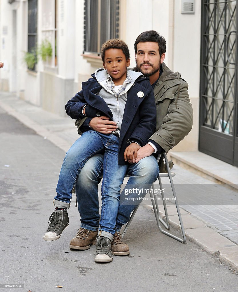 <a gi-track='captionPersonalityLinkClicked' href=/galleries/search?phrase=Mario+Casas&family=editorial&specificpeople=4617963 ng-click='$event.stopPropagation()'>Mario Casas</a> and Larsson do Amaral (L) are seen on the set of their latest film 'Ismael' on March 25, 2013 in Barcelona, Spain.