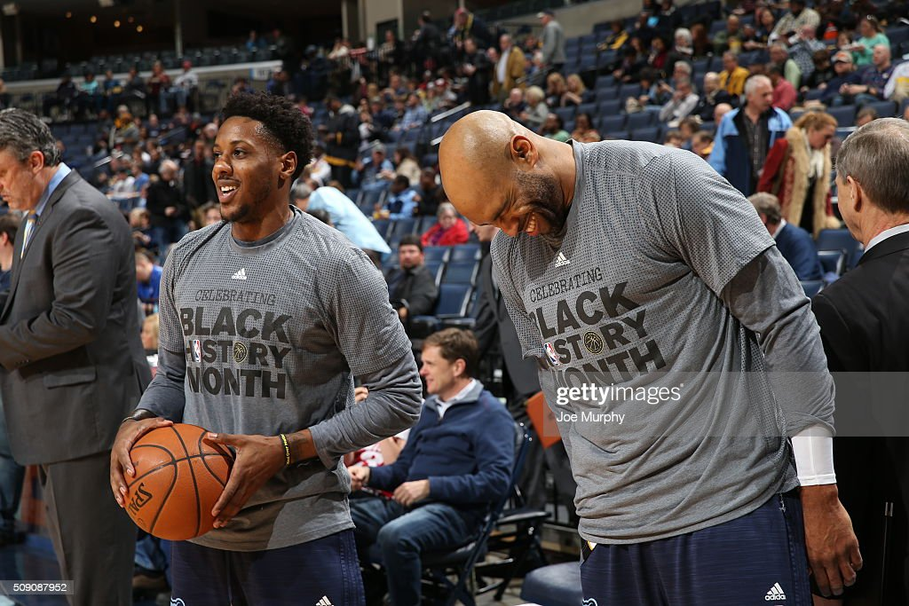 <a gi-track='captionPersonalityLinkClicked' href=/galleries/search?phrase=Mario+Chalmers&family=editorial&specificpeople=802115 ng-click='$event.stopPropagation()'>Mario Chalmers</a> #6 of the Memphis Grizzlies and <a gi-track='captionPersonalityLinkClicked' href=/galleries/search?phrase=Vince+Carter&family=editorial&specificpeople=201488 ng-click='$event.stopPropagation()'>Vince Carter</a> #15 of the Memphis Grizzlies talk before the game against the Portland Trail Blazers on February 8, 2016 at FedExForum in Memphis, Tennessee.