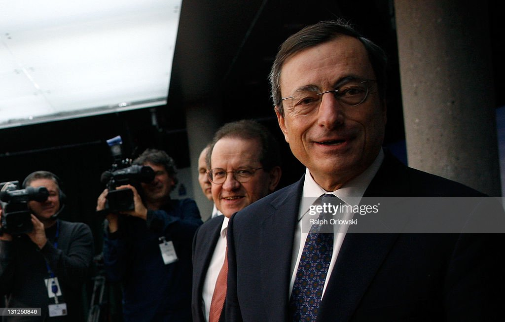 <a gi-track='captionPersonalityLinkClicked' href=/galleries/search?phrase=Mario+Draghi&family=editorial&specificpeople=571678 ng-click='$event.stopPropagation()'>Mario Draghi</a> (R), new President of the European Central Bank (ECB), accompanied by vice-president <a gi-track='captionPersonalityLinkClicked' href=/galleries/search?phrase=Vitor+Constancio&family=editorial&specificpeople=3163427 ng-click='$event.stopPropagation()'>Vitor Constancio</a> arrive for a news conference on November 3, 2011 in Frankfurt am Main, Germany. Draghi officially took over from Jean-Claude Trichet as ECB President on November 1 and announced an interest rate cut of 0.25 points from 1.5 percent to 1.25 percent.
