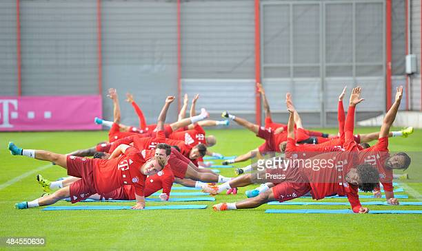 Mario Goetze Dante and their teammates in action during a training session of FC Bayern Muenchen at training ground Saebener Strasse on August 20...