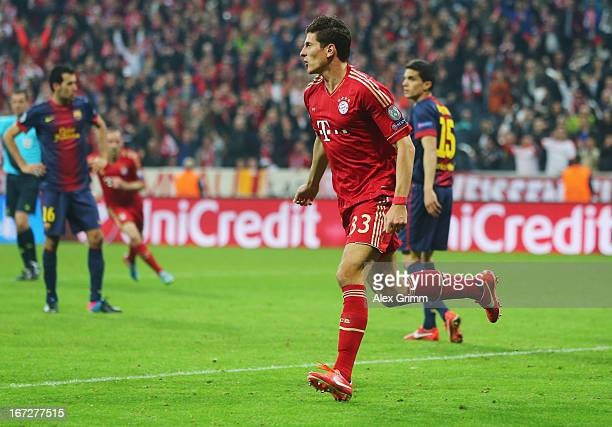 Mario Gomez of Bayern Muenchen celebrates scoring the second goal during the UEFA Champions League Semi Final First Leg match between FC Bayern...