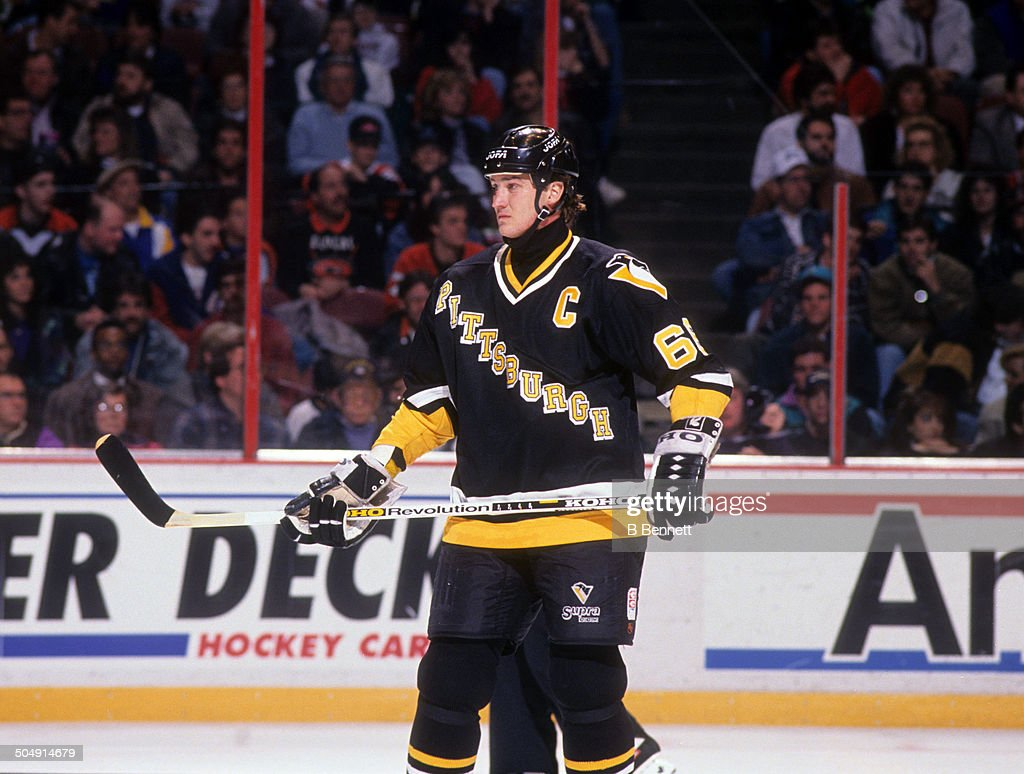 mario-lemieux-of-the-pittsburgh-penguins