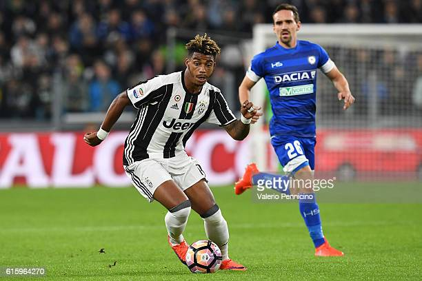 Mario Lemina of Juventus FC in action during the Serie A match between Juventus FC and Udinese Calcio at Juventus Stadium on October 15 2016 in Turin...