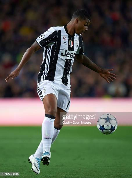 Mario Lemina of Juventus in action during the UEFA Champions League Quarter Final second leg match between FC Barcelona and Juventus at Camp Nou on...