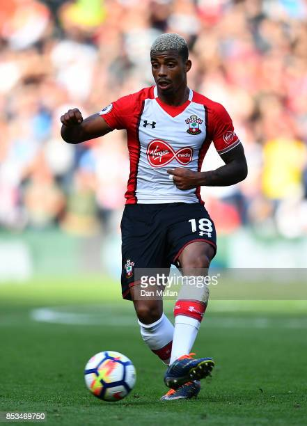 Mario Lemina of Southampton controls the ball during the Premier League match between Southampton and Manchester United at St Mary's Stadium on...