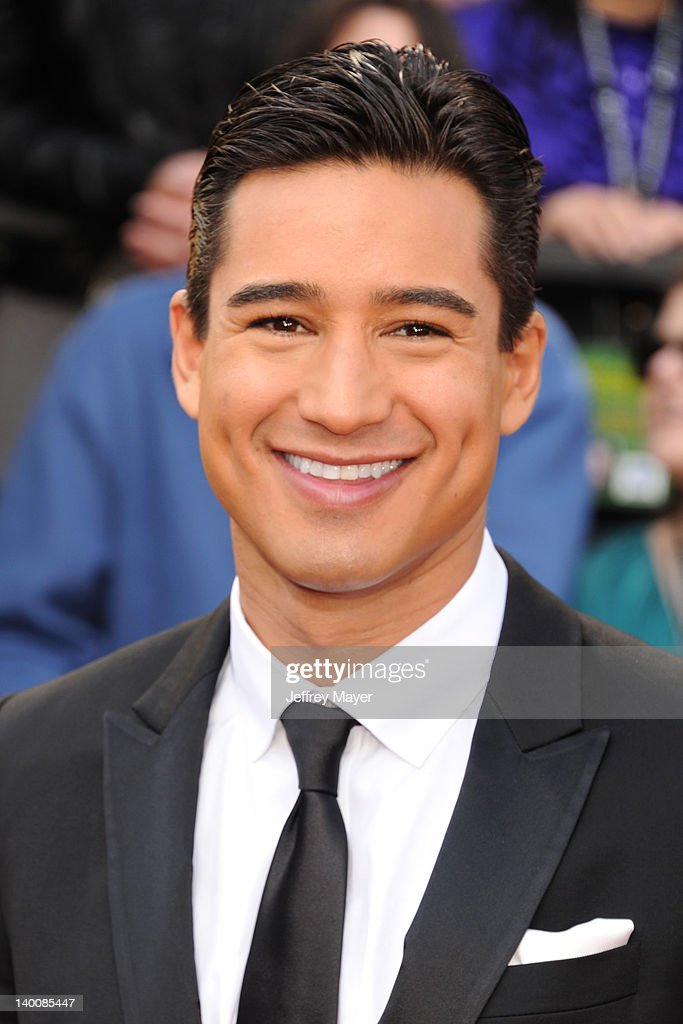 <a gi-track='captionPersonalityLinkClicked' href=/galleries/search?phrase=Mario+Lopez&family=editorial&specificpeople=235992 ng-click='$event.stopPropagation()'>Mario Lopez</a> arrives at the 84th Annual Academy Awards held at Hollywood & Highland Centre on February 26, 2012 in Hollywood, California.