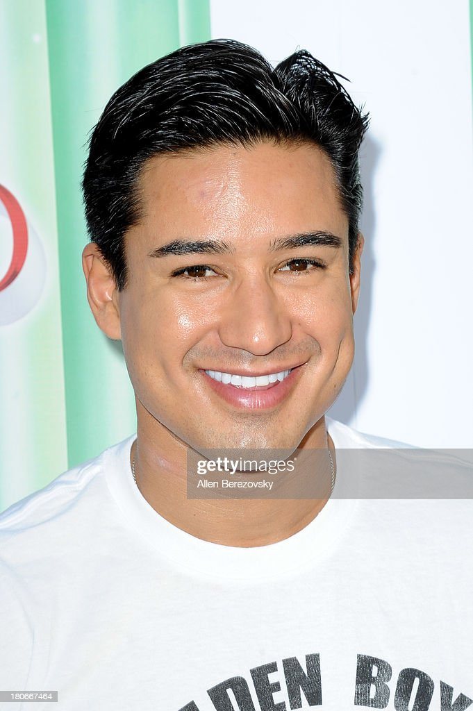 <a gi-track='captionPersonalityLinkClicked' href=/galleries/search?phrase=Mario+Lopez&family=editorial&specificpeople=235992 ng-click='$event.stopPropagation()'>Mario Lopez</a> arrives at the world premiere of 'The Wizard Of Oz 3D' and grand opening of the new TCL Chinese Theatre IMAX at TCL Chinese Theatre on September 15, 2013 in Hollywood, California.