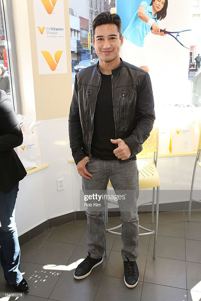Mario Lopez attends 2012 National Share The Health Event at The Vitamin Shop on October 13, 2012 in New York City.