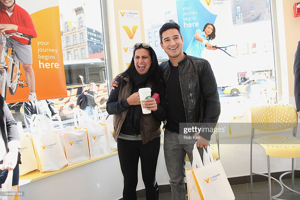 <a gi-track='captionPersonalityLinkClicked' href=/galleries/search?phrase=Mario+Lopez&family=editorial&specificpeople=235992 ng-click='$event.stopPropagation()'>Mario Lopez</a> (R) attends 2012 National Share The Health Event at The Vitamin Shop on October 13, 2012 in New York City.