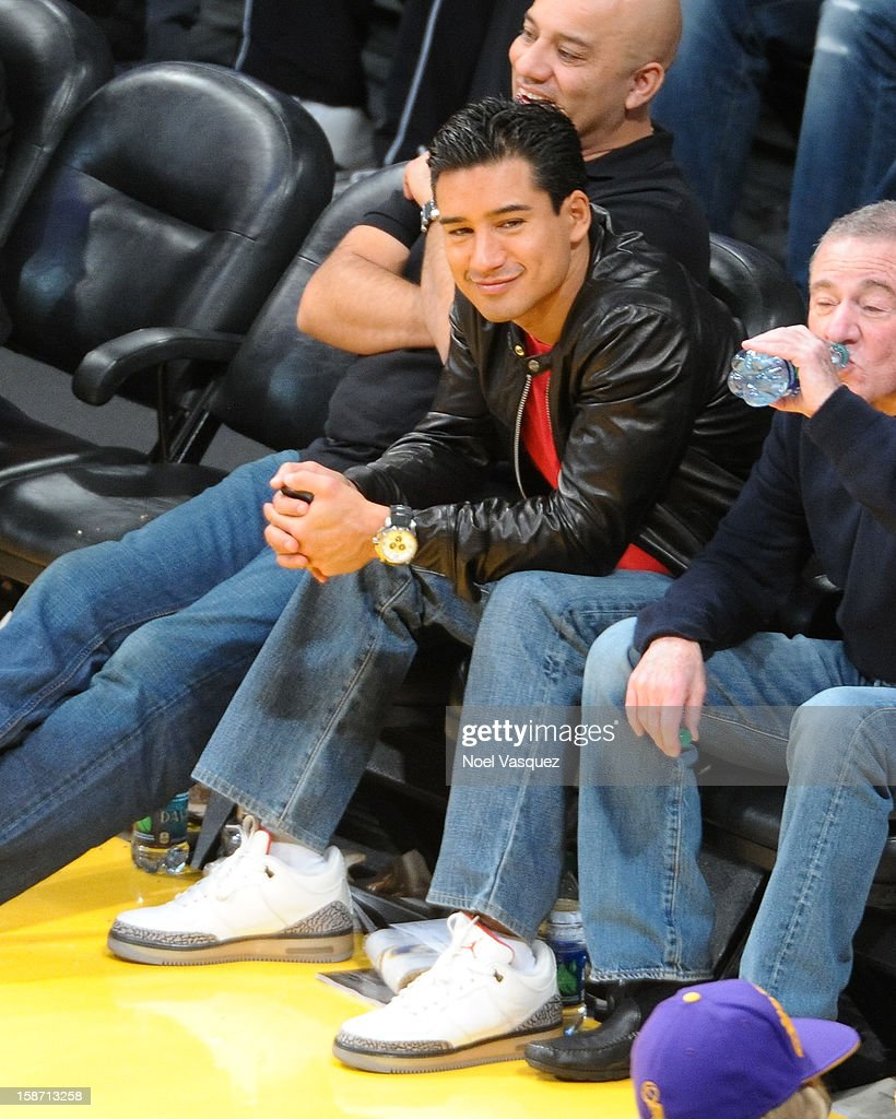Mario Lopez attends a basketball game between the New York Knicks and the Los Angeles Lakers at Staples Center on December 25, 2012 in Los Angeles, California.